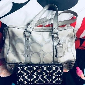 Shoulder bag with wallet